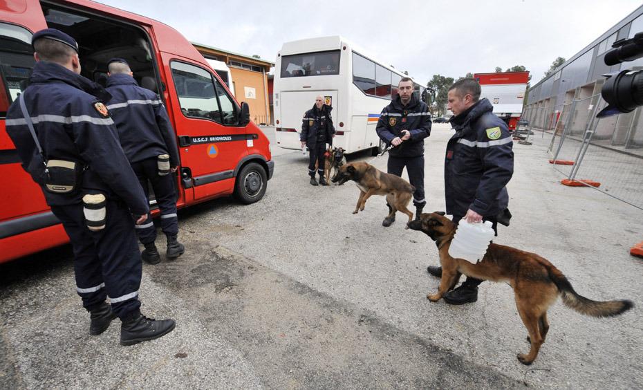 法国救援队。