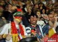 德国4-0澳大利亚 球迷疯狂庆祝(147)