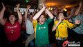 图文:德国4-0澳大利亚 球迷疯狂庆祝(96)