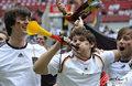 图文:德国4-0澳大利亚 球迷疯狂庆祝(104)