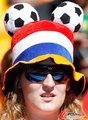 图文:荷兰2-0丹麦 球迷激情助威(248)