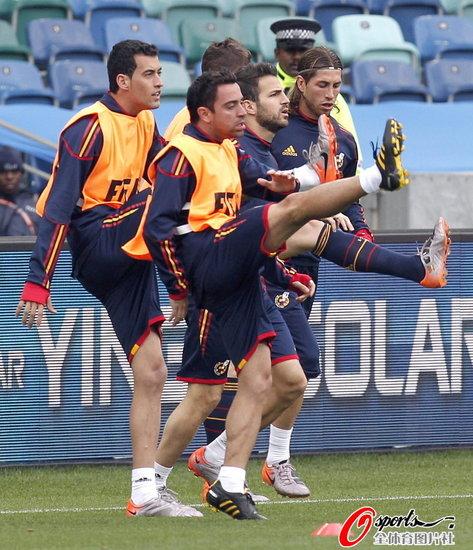 腾讯特评:且看华丽西班牙能否拯救世界杯