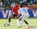 图文:洪都拉斯0-1智利 7号盯防8号