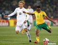图文:南非0-3乌拉圭 劲射也没有破门