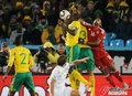 图文:南非0-3乌拉圭 门将飞身出击