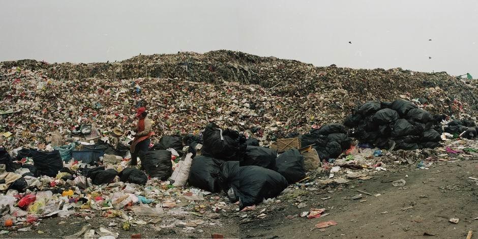 北京市朝阳区南磨房垃圾转运站(图片摄于2010年4月,北纬39°49′58″ 东经116°33′30″)
