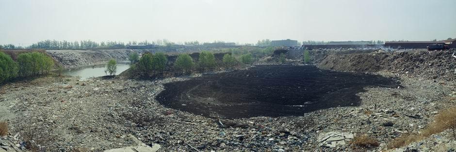 北京市大兴区瀛海镇垃圾转运站(图片摄于2009年4月,北纬39°43′30″ 东经116°30′00″)