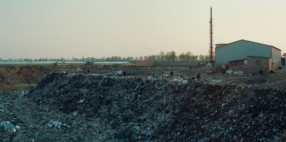 北京市大兴区黄村镇垃圾转运站(图片摄于2010年4月,北纬39°42′10″ 东经116°22′54″)
