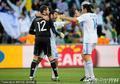 图文:希腊VS尼日利亚 希腊庆祝扳平比分
