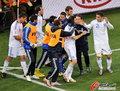 图文:希腊2-1尼日利亚 希腊队收获胜利
