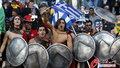 图文:希腊VS尼日利亚 双方球迷加油助威(6)