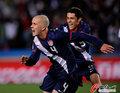 图文:斯洛文尼亚2-2美国 布拉德利立功了