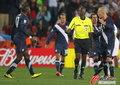 图文:斯洛文尼亚2-2美国 判罚引起不满
