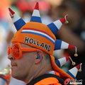 图文:荷兰VS日本 球迷助威比赛(7)