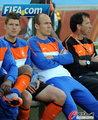 图文:荷兰VS日本 罗本无奈坐板凳