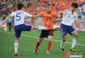 图文:荷兰VS日本 范德法特被飞踹