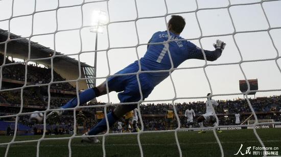 快评:裁判毁掉比赛 澳大利亚告别世界杯?