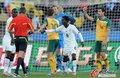 图文:加纳VS澳大利亚 澳队门前大混乱