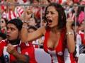 巴拉圭名模成最牛女球迷