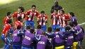 图文:斯洛伐克VS巴拉圭 围成一圈庆祝