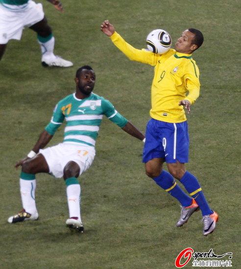 腾讯特评:巴西人也伸上帝之手 老马作何感想