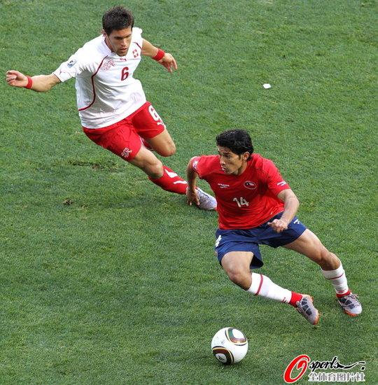 半场快评:肘击让瑞士陷被动 智利将更将疯狂