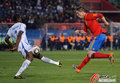 图文:西班牙VS洪都拉斯 托雷斯射门被挡