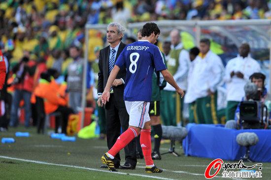 高洪波:法国出局教训深 韩国对乌拉圭胜面大