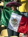 图文:墨西哥0-1乌拉圭 球迷激情助威23