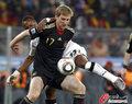 图文:加纳0-1德国 默特萨克防守稳健
