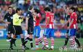 图文:巴拉圭0-0新西兰 裁判解开争端