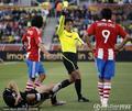 图文:巴拉圭0-0新西兰 圣克鲁斯染黄牌