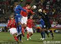 图文:瑞士0-0洪都拉斯 门将化解危机