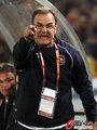 图文:智利1-2西班牙 贝尔萨很激动