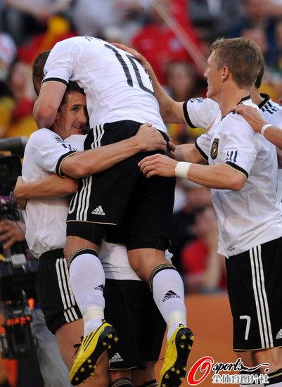 德国VS英格兰 兴奋的波尔蒂图片 58179 401x550