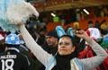 组图:阿根廷美女看台助威 手舞足蹈庆胜利