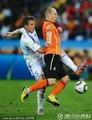 图文:荷兰2-1斯洛伐克 罗本受到重点照顾
