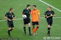 图文:荷兰2-1斯洛伐克 队长与主帅理论