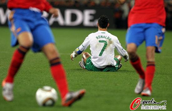 半场快评:C罗不是米利托 葡萄牙需反击效率