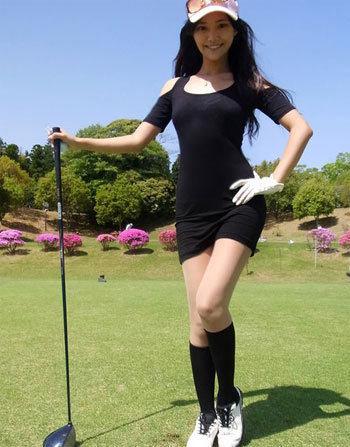 日本世界杯美女主播生活照大曝光组图 竖
