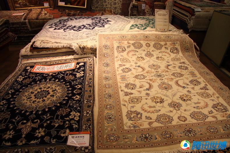 高清:伊朗馆展出380万元地毯 编织超过20年