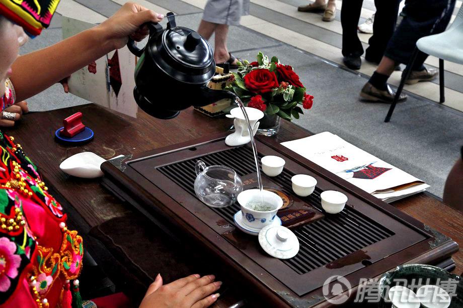 舞台:北川高清尔玛姐茶艺大宝钢秀羌族美女喝醉美女酒漫画图片