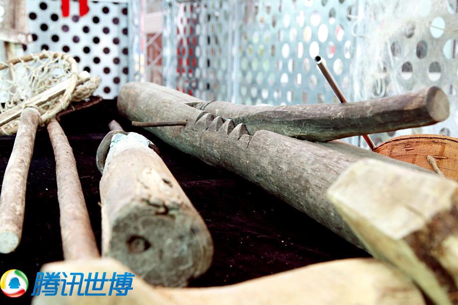 制鱼皮的工具以木制为主。