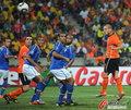 高清:斯内德头槌破门逆转巴西 助荷兰进四强