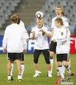 图文:德国队适应场地 目标战胜阿根廷(125)