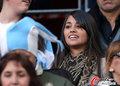 高清:梅西女友现场观战 目睹阿根廷大败