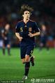 图文:巴拉圭0-1西班牙 普约尔秀发飘荡