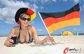 高清:西班1-0德国 性感女郎海滩为德国加油