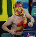 图文:西班牙VS德国 球迷激情助威(13)