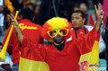 图文:西班牙VS德国 球迷激情助威(19)